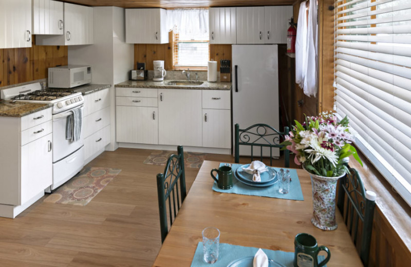 Cottage kitchen at Rocky Mountain Lodge & Cabins.