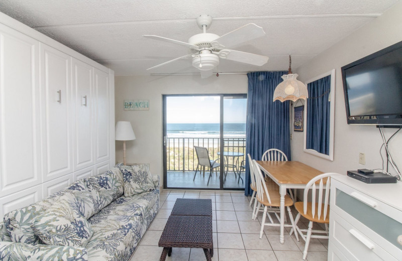 Guest living room at Beacher's Lodge Oceanfront Suites.