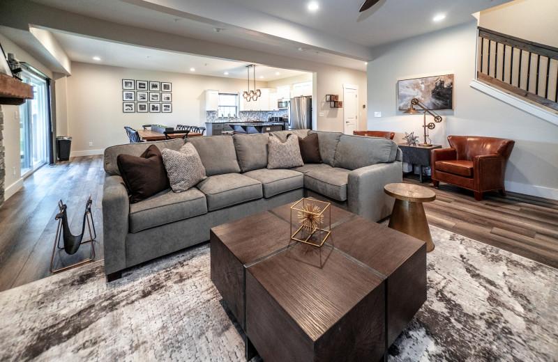 Lodge living room at Thousand Hills Golf Resort.