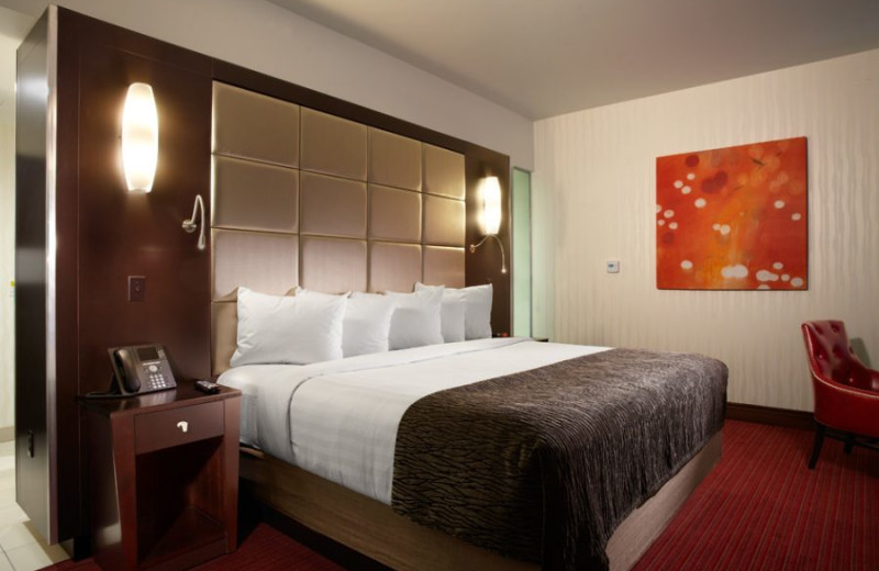 Guest room at Harrah's Ak-Chin Casino Resort.