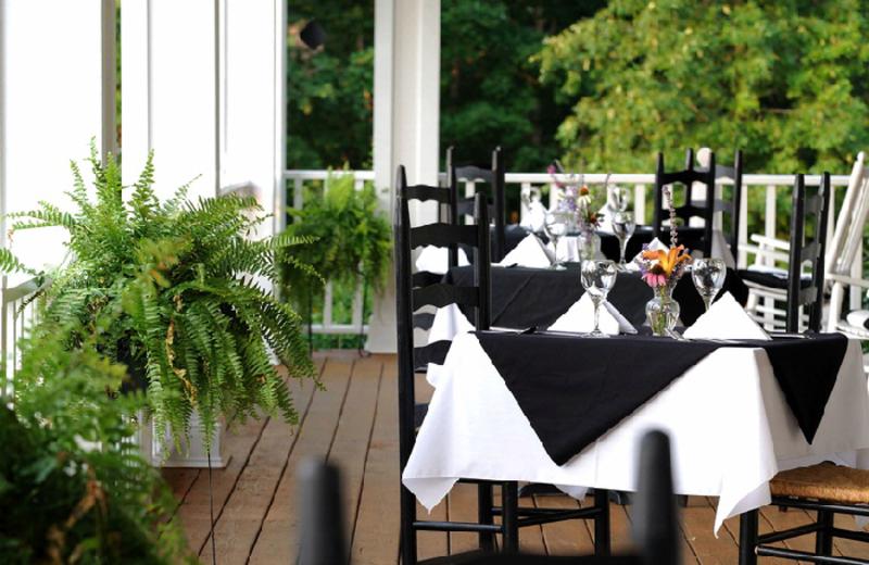 Outdoor dining at Dahlonega Spa Resort.