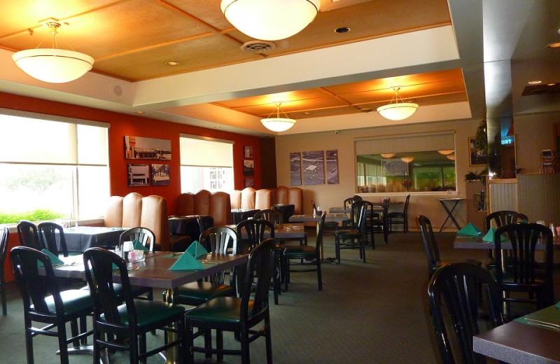 Dining area at Jorgenson's Inn & Suites.