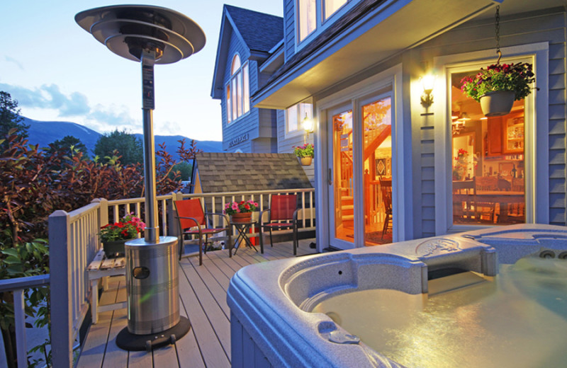 Rental hot tub at Majestic Lodging.