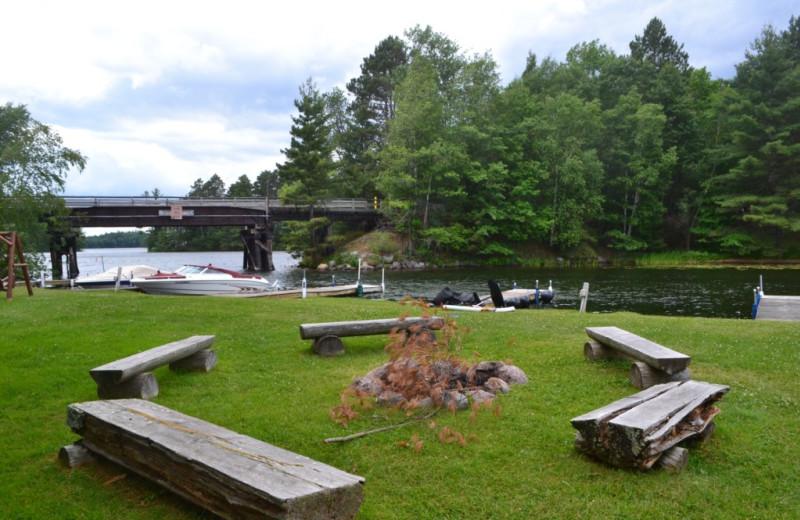 Resort grounds at Lakeland Rental Management.