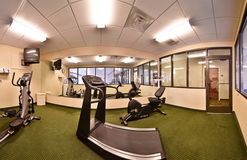 Fitness room at Comfort Suites - Twinsburg.