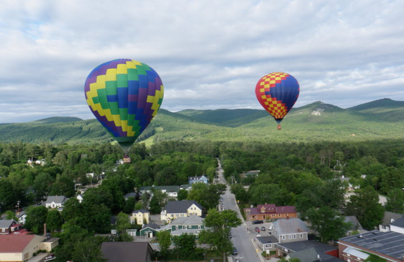 Balloon ride near Eastern Slope Inn Resort.