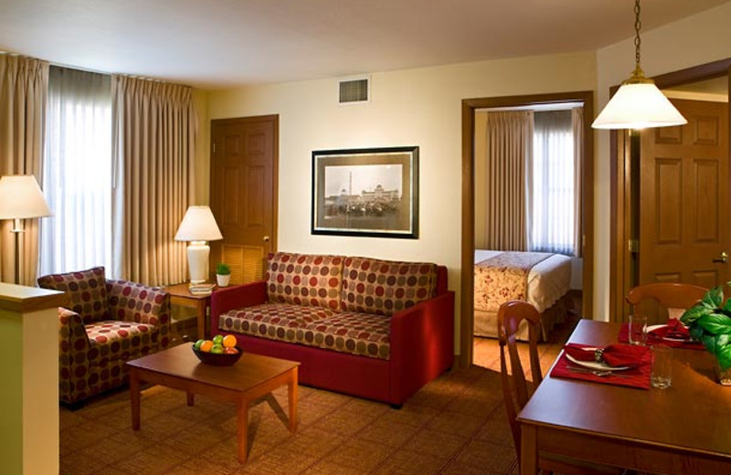 Guest room at TownePlace Suites Detroit Livonia.