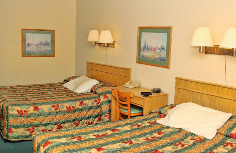Guest room at Gold Country Inn.