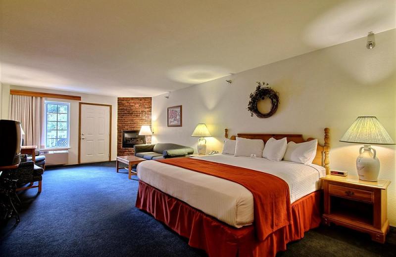 Guest room at Best Western Designer Inn & Suites.