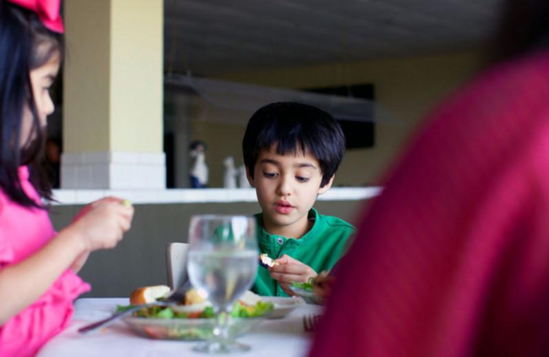 Family dining at Grande Shores Ocean Resort.