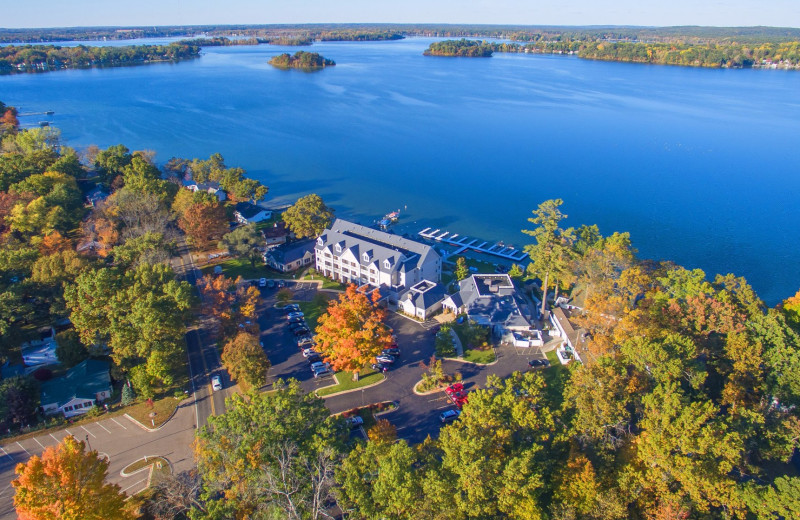 Aerial view of Bay Pointe Inn Lakefront Resort.