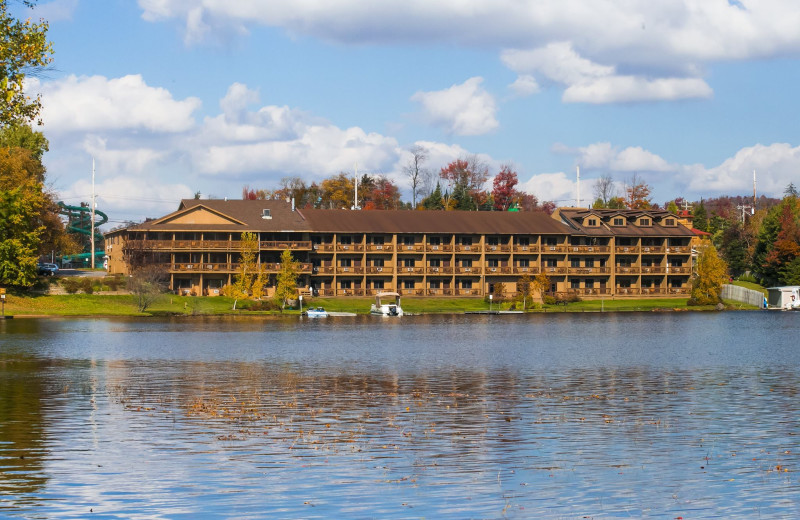 Exterior view of Water's Edge Inn & Conference Center.