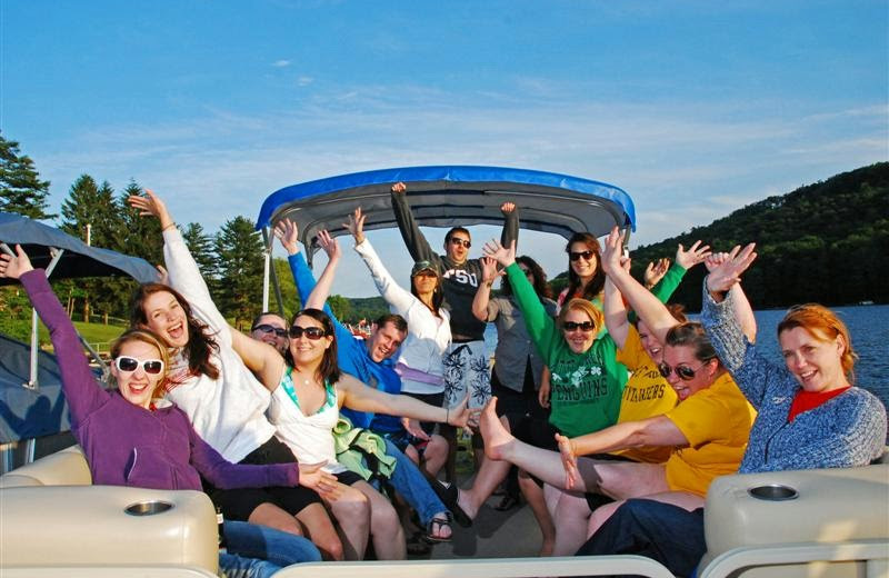 Group boating at Railey Mountain Lake Vacations.