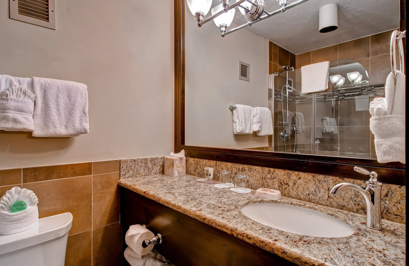 Guest bathroom at Inn at Aspen.