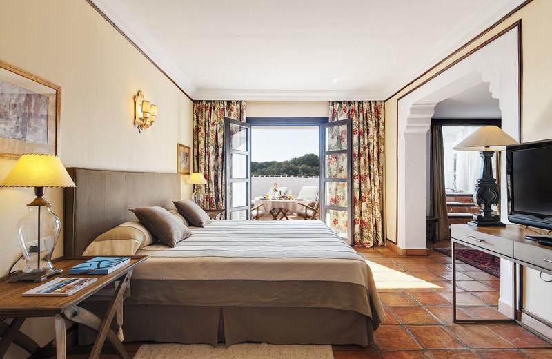 Guest room at Hotel La Bobadilla.