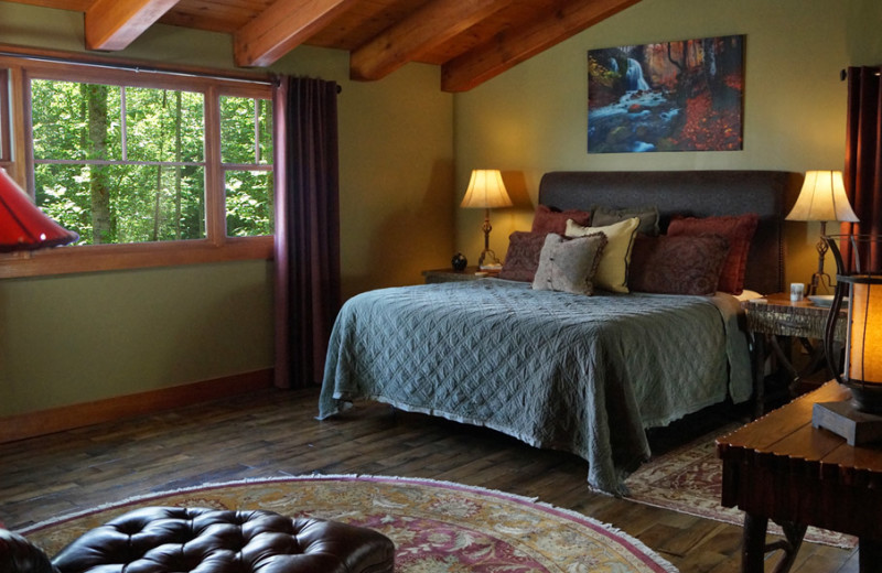Pond rental bedroom at Timber Frame Rentals.