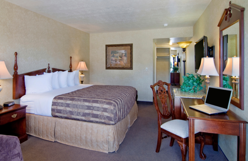 Guestroom at Abbey Inn