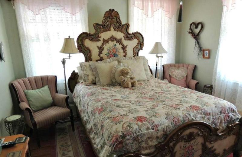 Hats & Hearts room at Magnolia Inn Bed & Breakfast.
