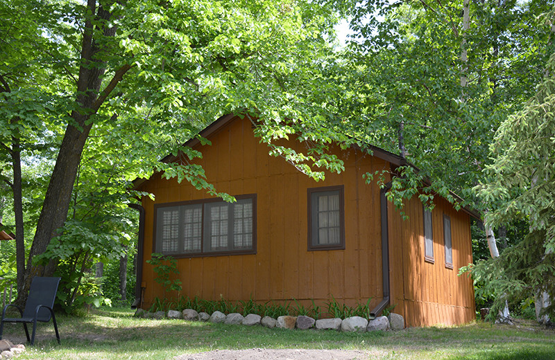 Cabin exterior at Upper Cullen Resort.