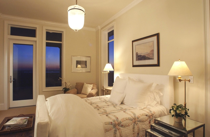 Rental bedroom at The Villas of Amelia Island Plantation.
