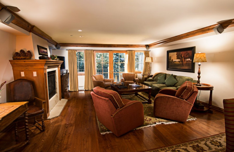 Camp Hale Suite living room at Vail Mountain Lodge & Spa.