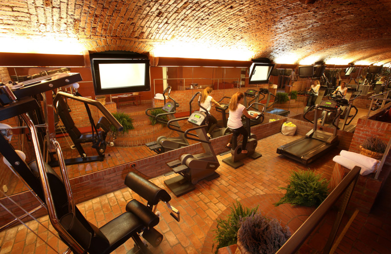 Fitness room at Hotel Sanpi Milano.