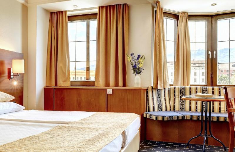 Guest room at BEST WESTERN Hotel Mondschein.