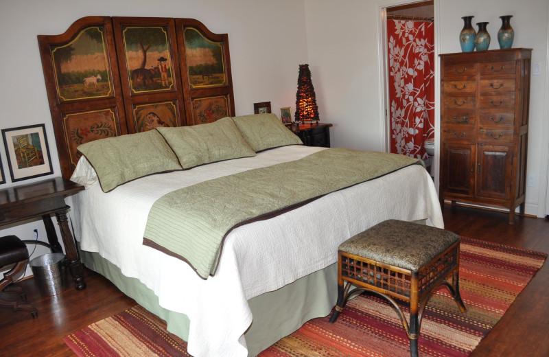 Guest room at River Run Condominiums.