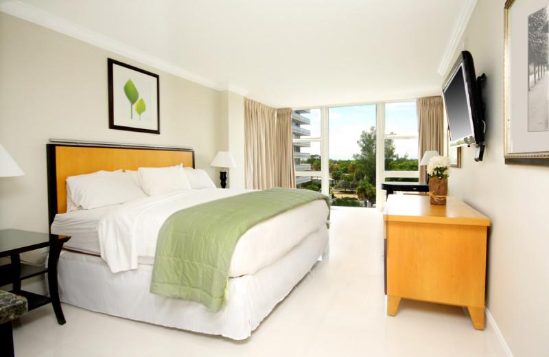 Guest room at Ocean Manor Resort.