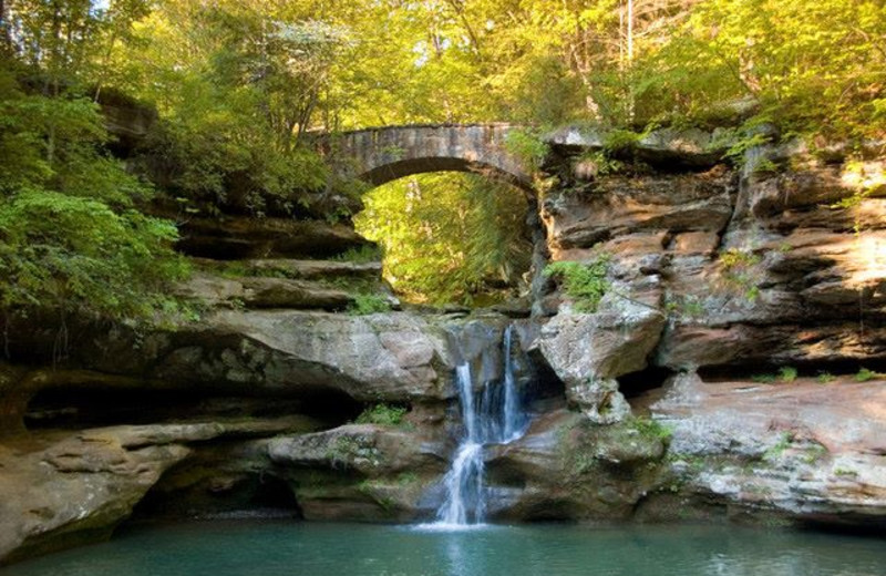 Old Man S Cave Store : Chalets in hocking hills logan oh resort reviews
