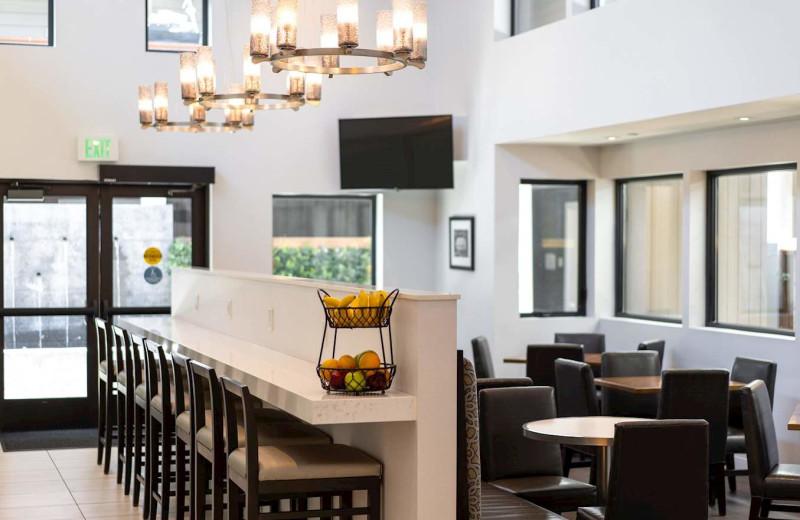 Commons at Best Western Plus Stevenson Manor Inn.