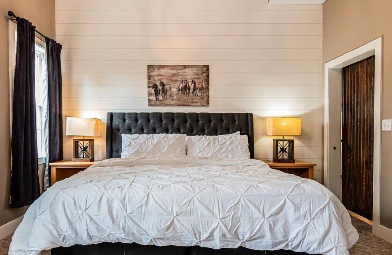 Rental bedroom at Amazing Branson Cabin Rentals - RentBranson.