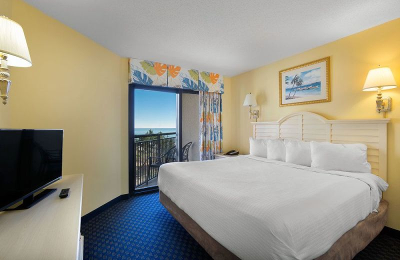 Guest bedroom at Ocean Reef Resort.