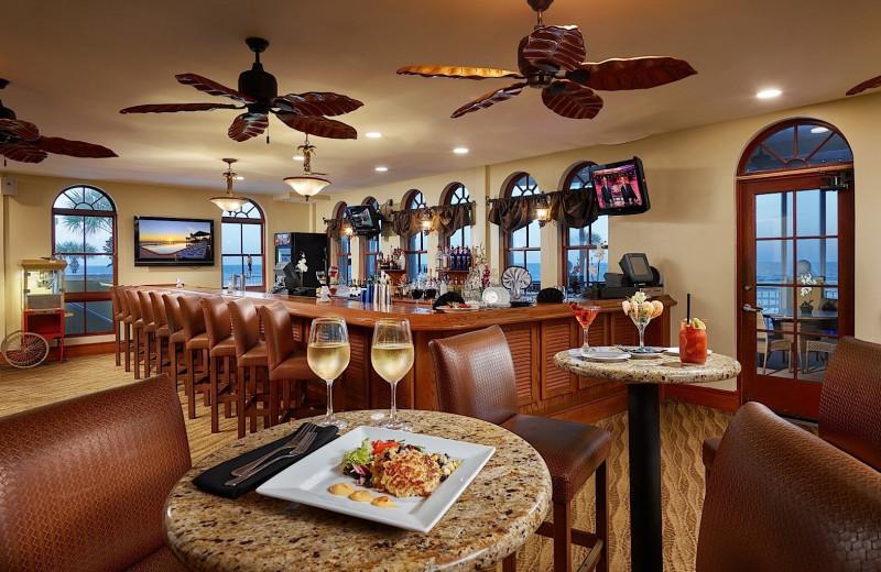 Bar at Plaza Resort & Spa.