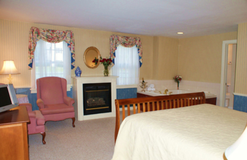 King Fireplace Suite at Echo Lake Inn