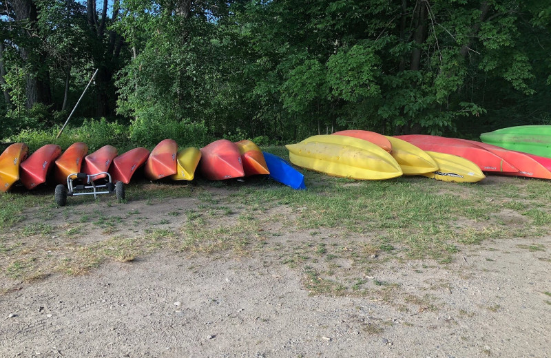 Kayaks and canoes at Riverbay Adventure Inn.