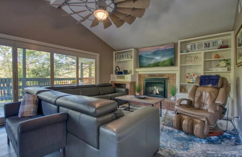 Rental living room at Aunt Bug's Cabin Rentals, LLC.