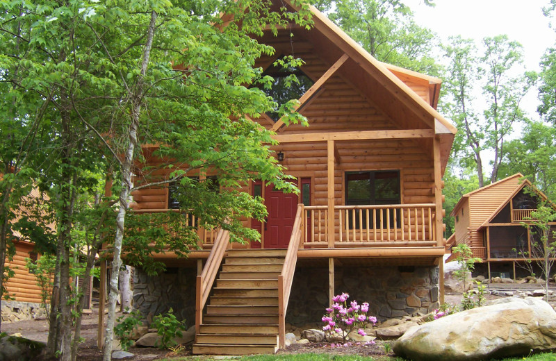 Cabin exterior at White Oak Lodge