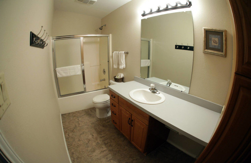 Cottage bathroom at Hill Country RV Resort & Cottage Rentals.