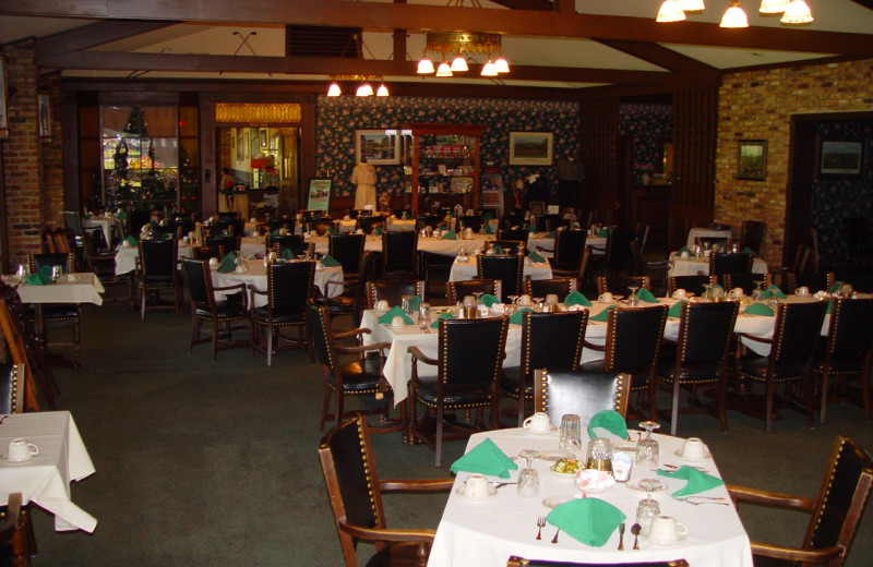 Dining room at Lakewood Shores Resort.