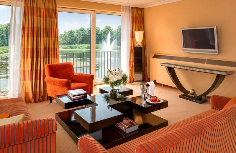 Guest room at Park Hotel Bremen.