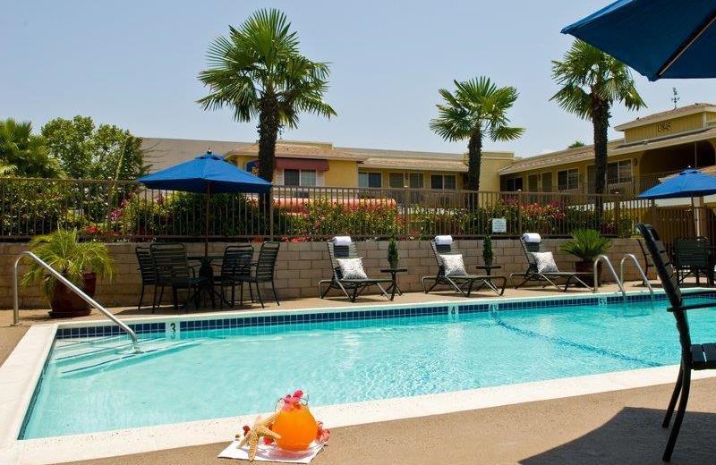 Outdoor pool at Best Western Country Inn Poway.
