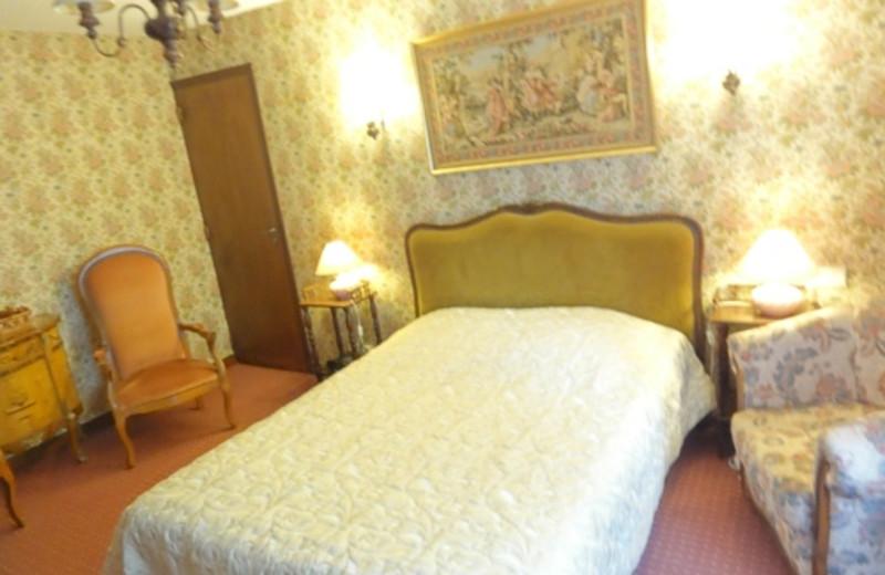 Guest room at Hostellerie Sarrasine.