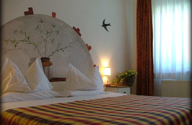 Guest room at Hotel Ca' del Bosco.