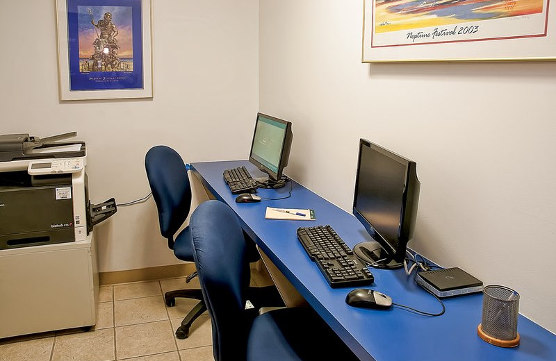 Business center at Best Western PLUS Oceanfront Virginia Beach.