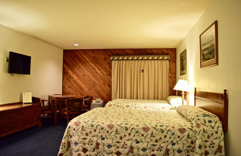 Guest room at Whitetail Lodge.