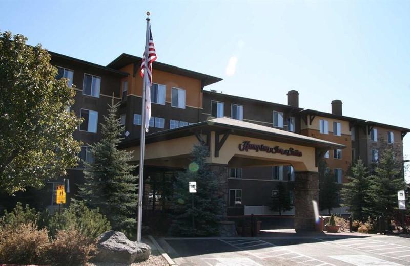 Exterior view of Hampton Inn & Suites Flagstaff.