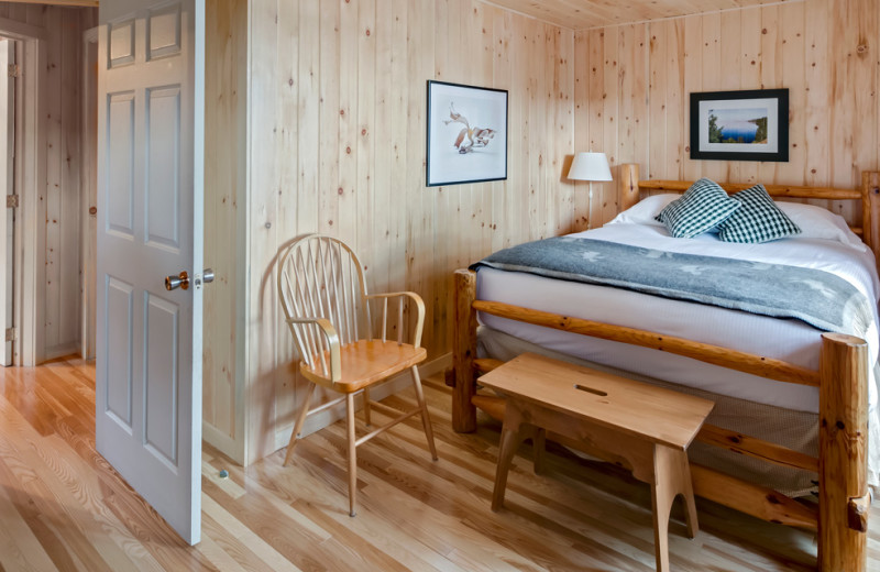 Cabin bedroom at Killarney Lodge in Algonquin Park.