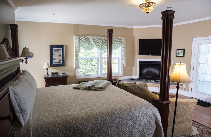 Guest room at George Washington Inn.