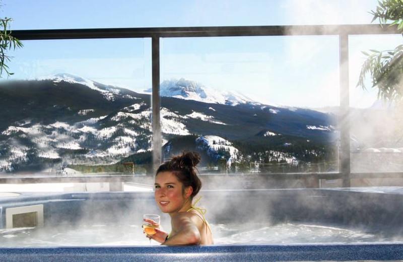Hot tub at Whistlers Inn.